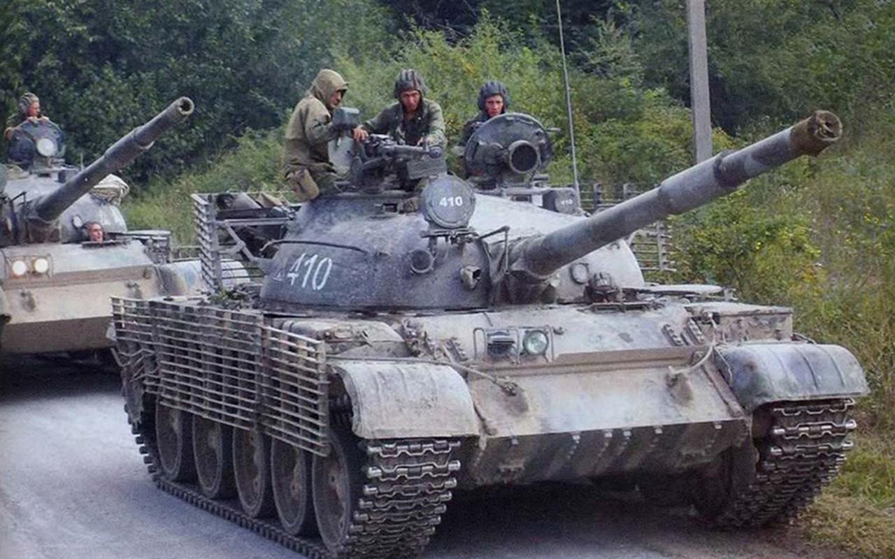 Xe tang T-62 Viet Nam van duoc cung cap them nong phao moi-Hinh-6