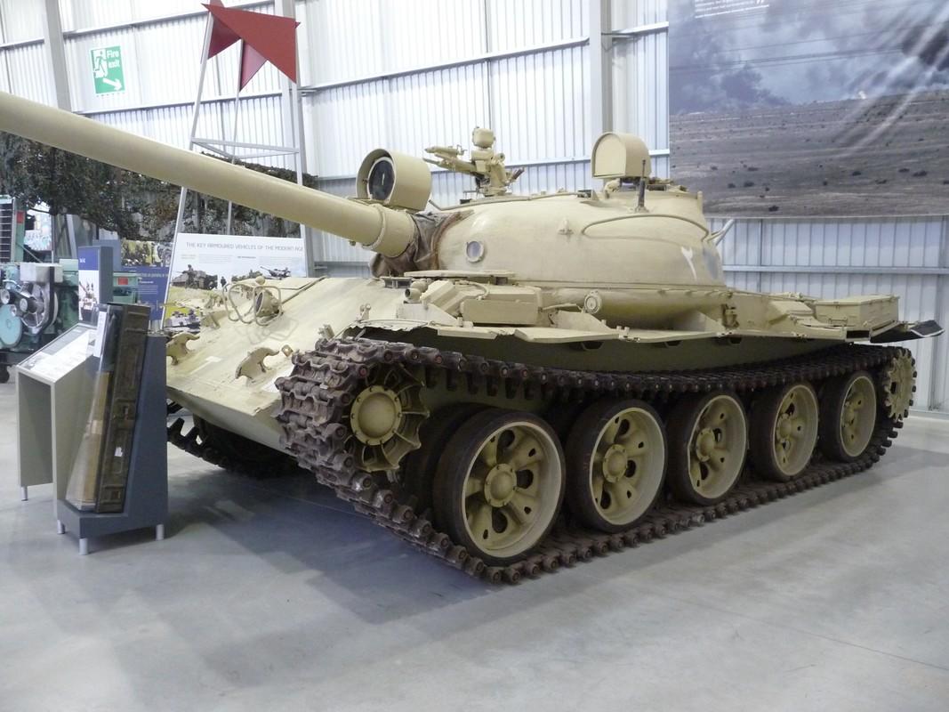 Xe tang T-62 Viet Nam van duoc cung cap them nong phao moi-Hinh-7