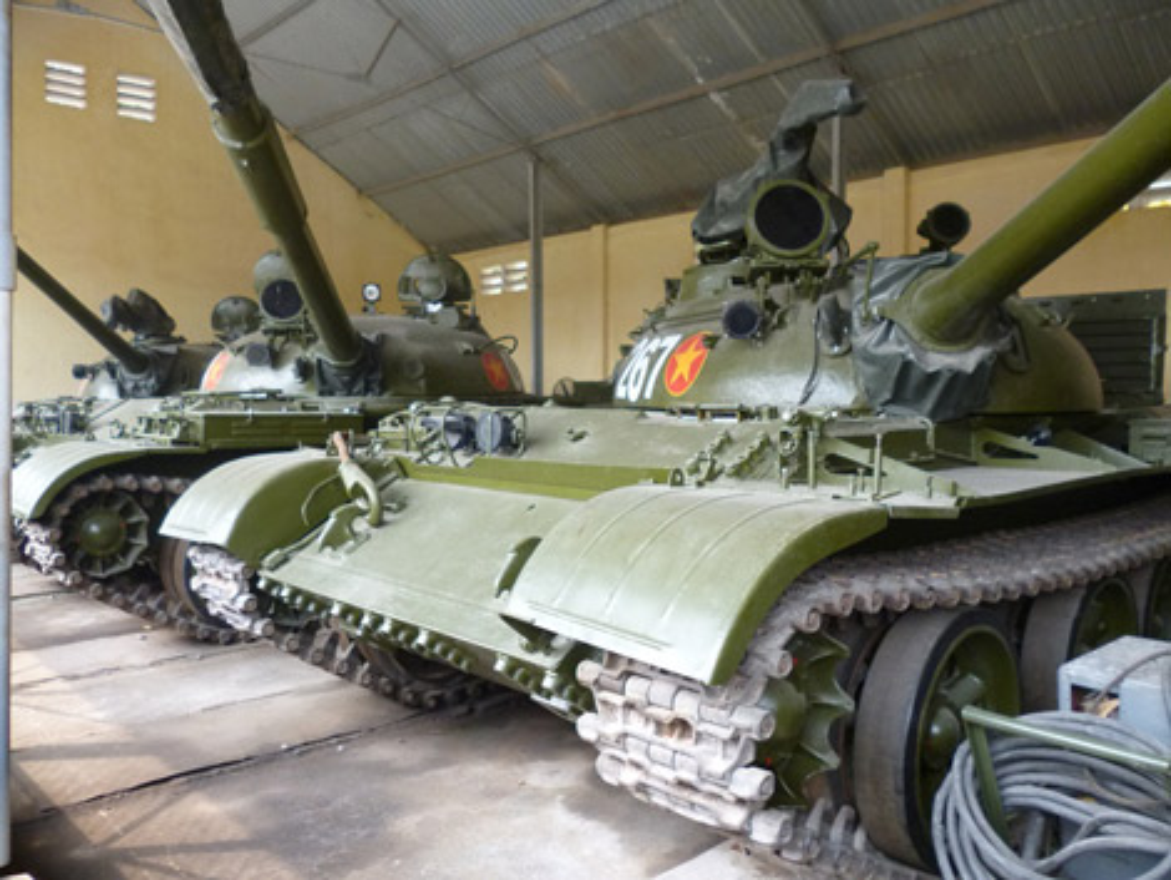 Xe tang T-62 Viet Nam van duoc cung cap them nong phao moi-Hinh-8