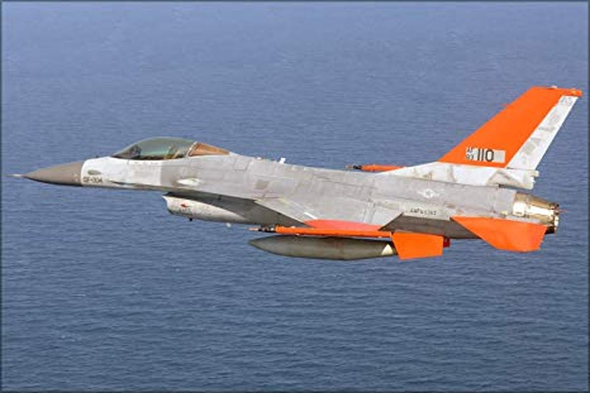 Chuyen that nhu dua: My nang cap F-16 thanh may bay… dieu khien tu xa-Hinh-2