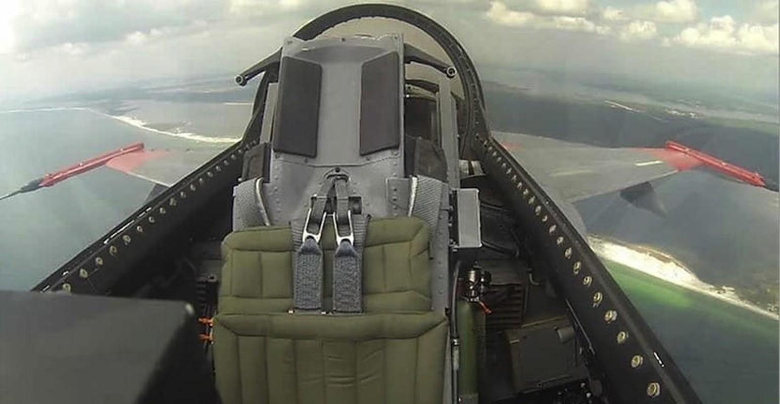 Chuyen that nhu dua: My nang cap F-16 thanh may bay… dieu khien tu xa-Hinh-8