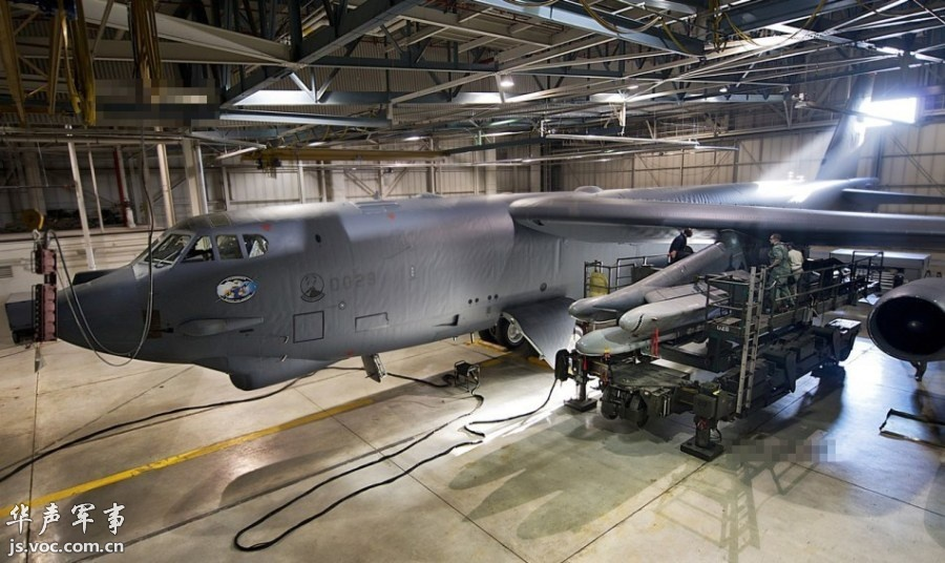 B-52 cua My bo het bom hat nhan, nhung ten lua hat nhan van… day-Hinh-6