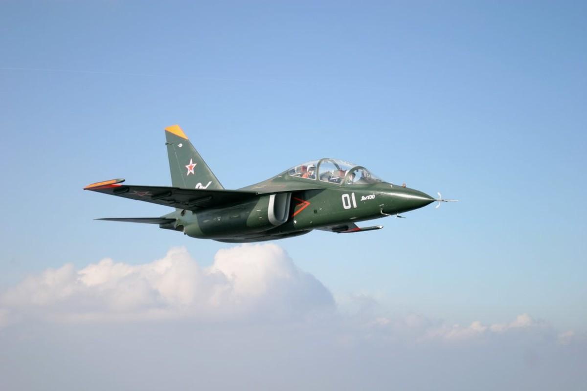 Bat ngo: Yak-130 Viet Nam co kha nang huan luyen phi cong the he nam!-Hinh-2