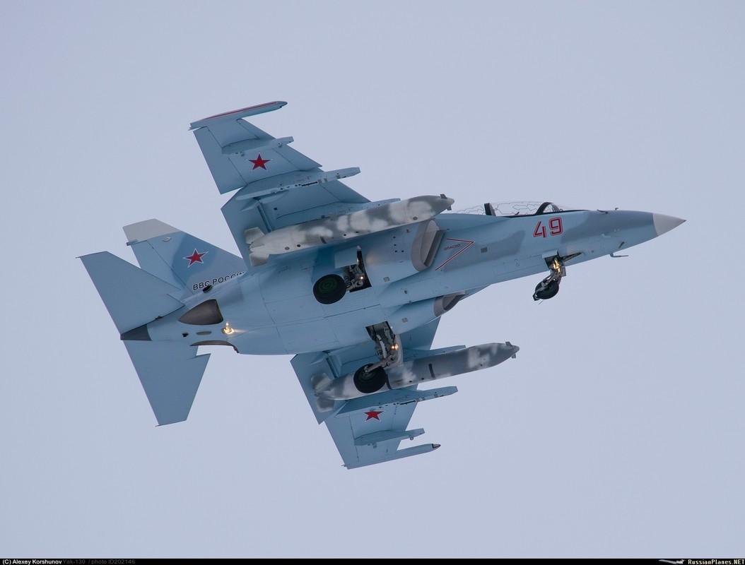 Bat ngo: Yak-130 Viet Nam co kha nang huan luyen phi cong the he nam!-Hinh-7