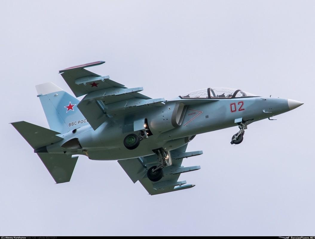 Bat ngo: Yak-130 Viet Nam co kha nang huan luyen phi cong the he nam!-Hinh-9