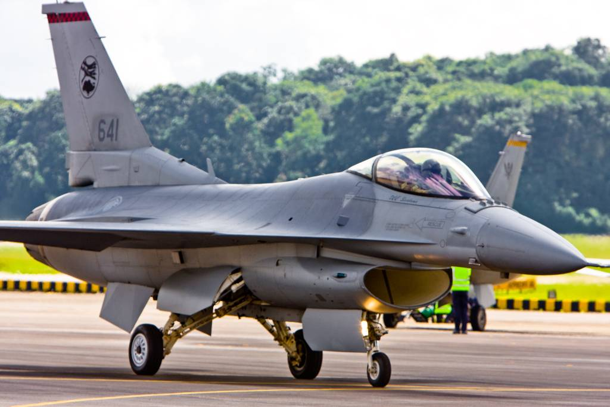 Sau Dai Loan, toi luot Singapore nang cap dan tiem kich F-16 cua minh-Hinh-4