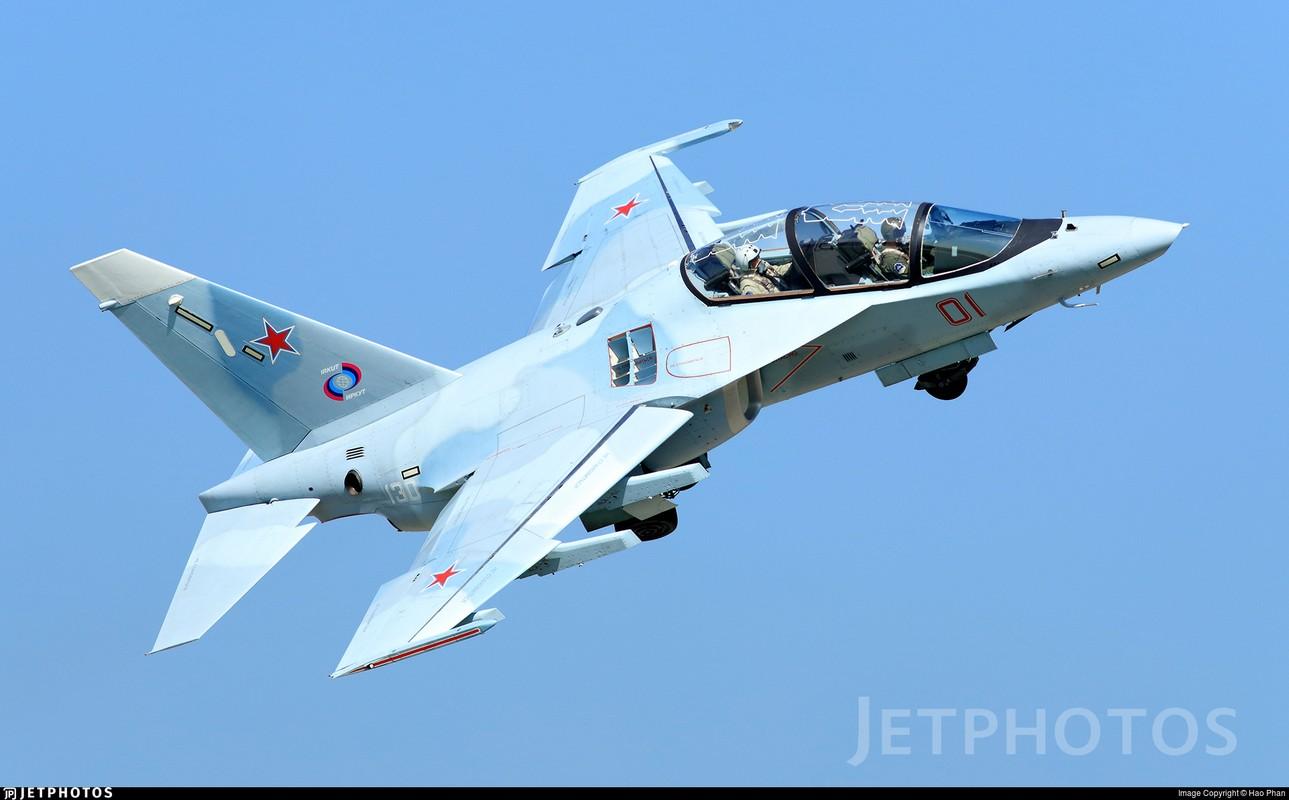 May bay Yak-130 Viet Nam sap mua co