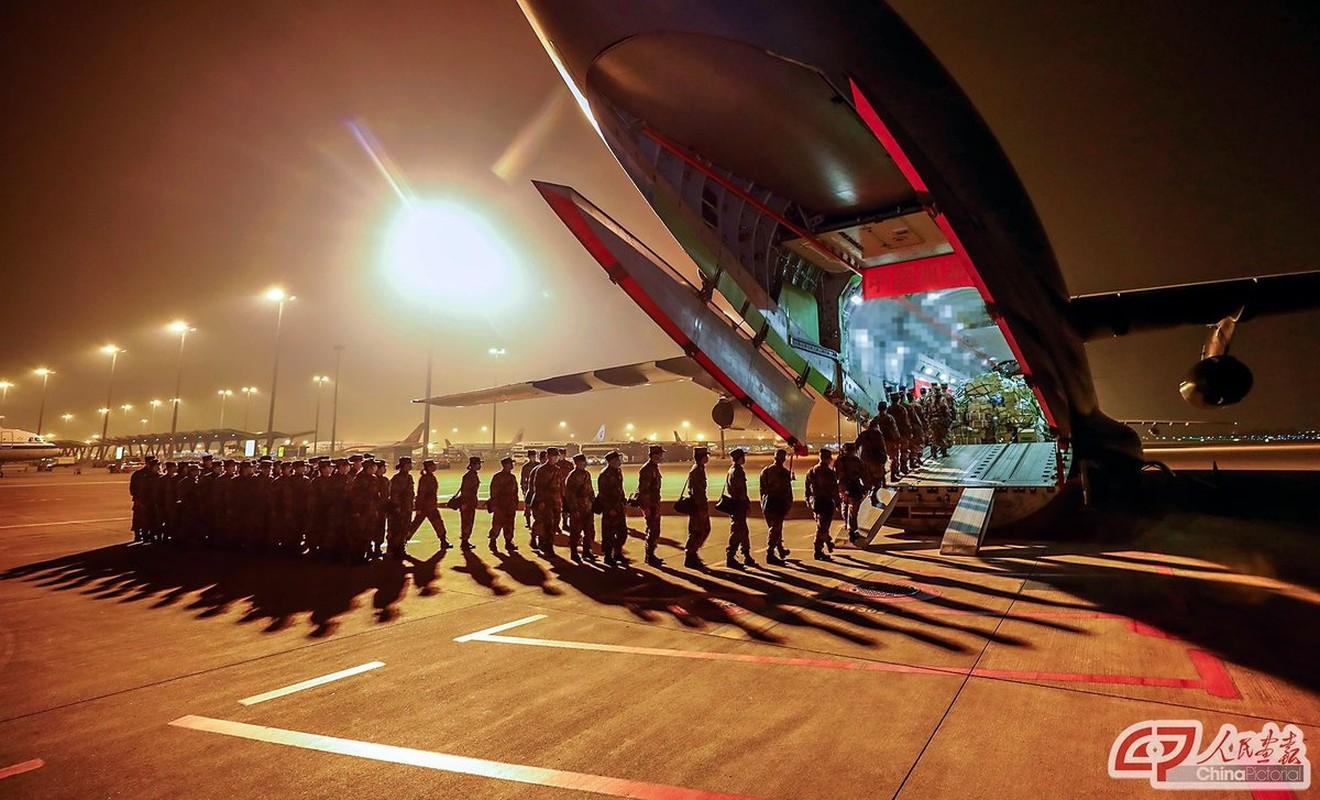Mo xe van tai co Y-20 Trung Quoc lam cau hang khong tiep te cho Vu Han-Hinh-6