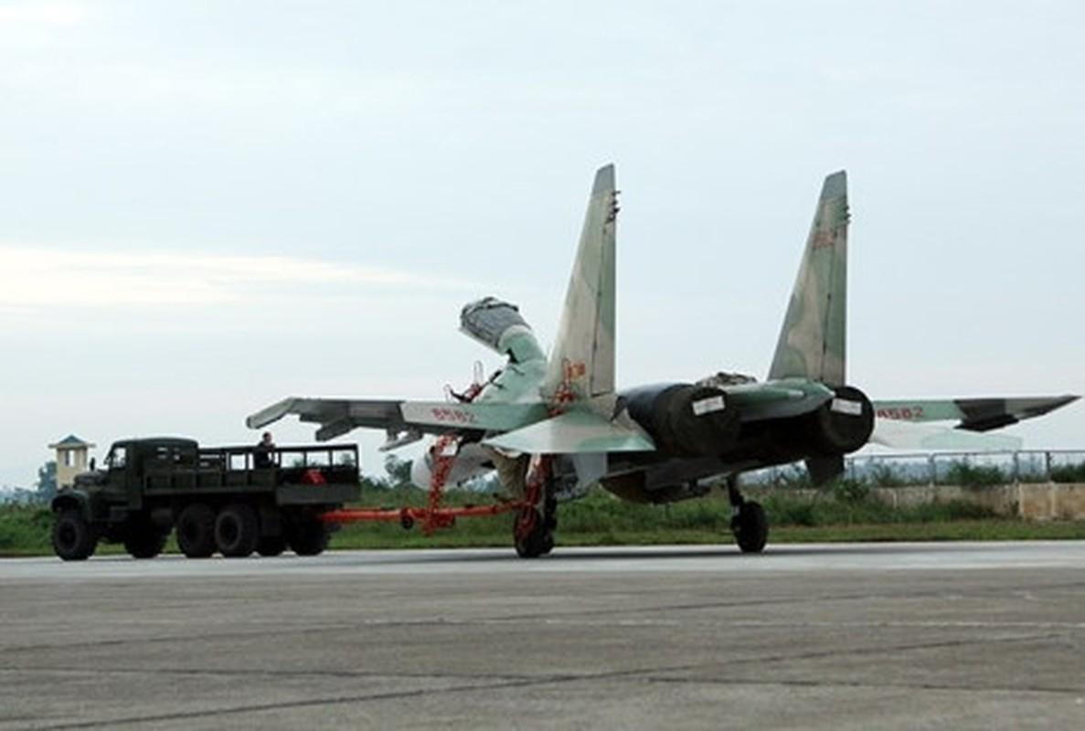 Hoi kho: Tiem kich Su-30 cua Viet Nam co di lui tren duong bang duoc khong?-Hinh-5