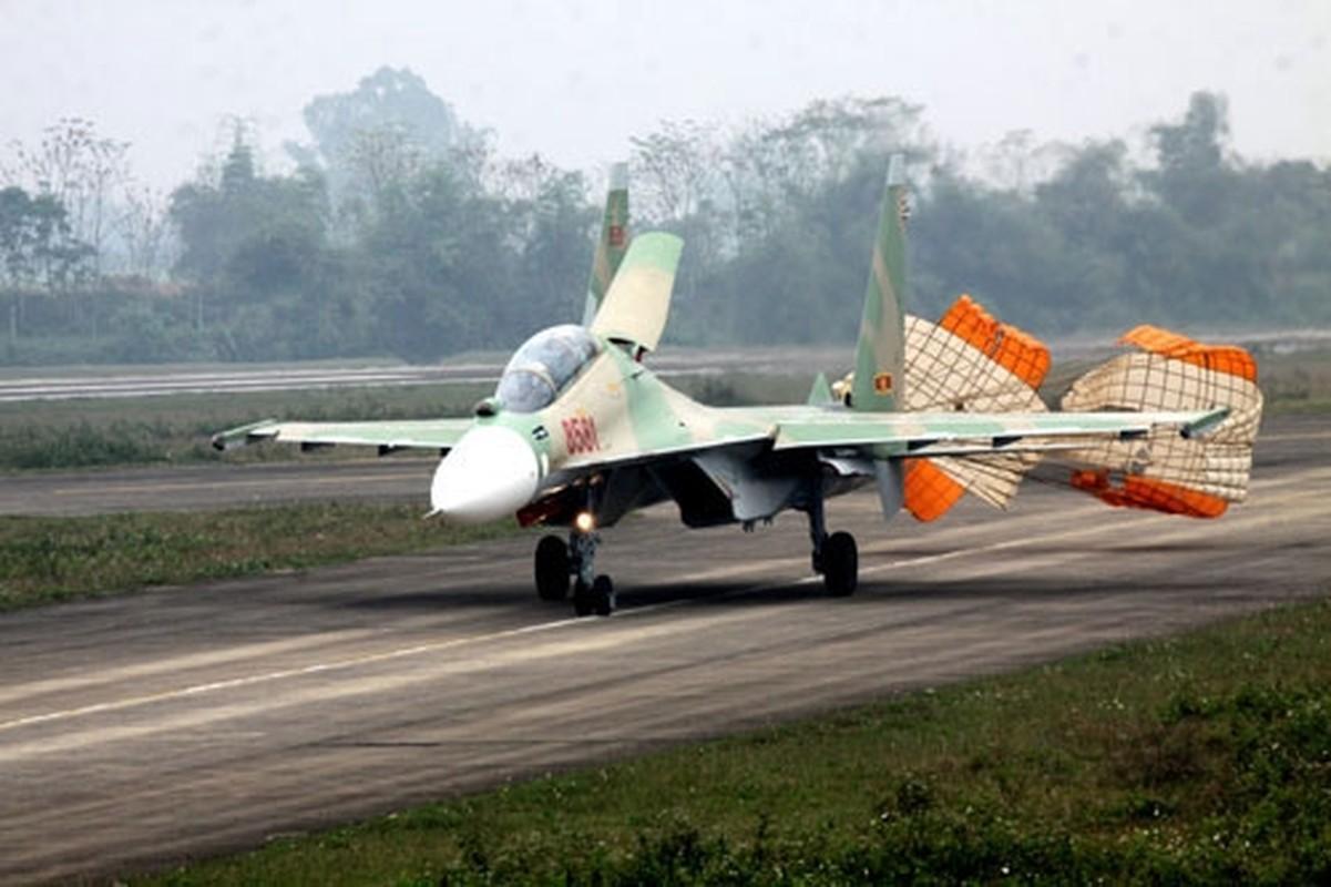 So luong tiem kich Su-30MK2 Trung Quoc so huu lieu co bang Viet Nam?-Hinh-12