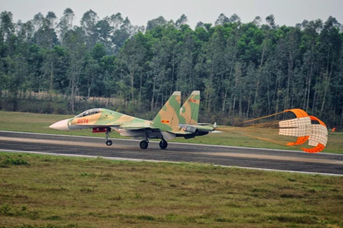 So luong tiem kich Su-30MK2 Trung Quoc so huu lieu co bang Viet Nam?-Hinh-13