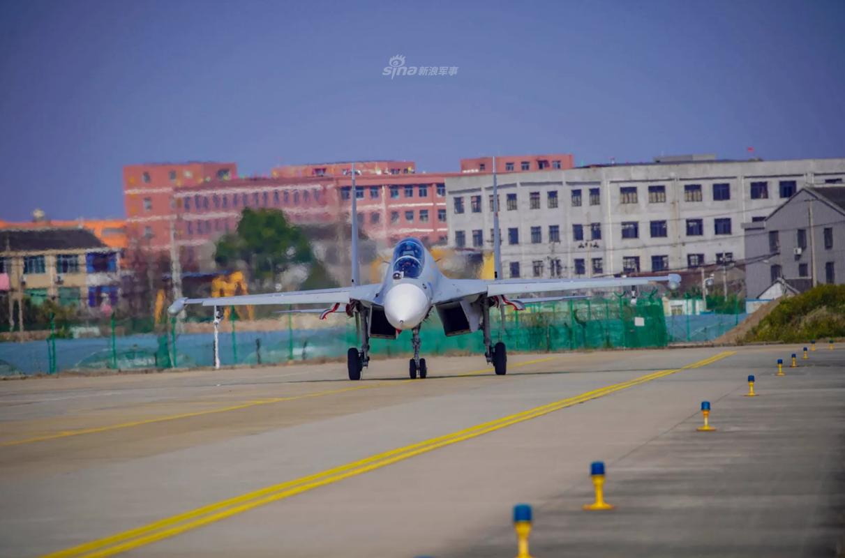 So luong tiem kich Su-30MK2 Trung Quoc so huu lieu co bang Viet Nam?-Hinh-2