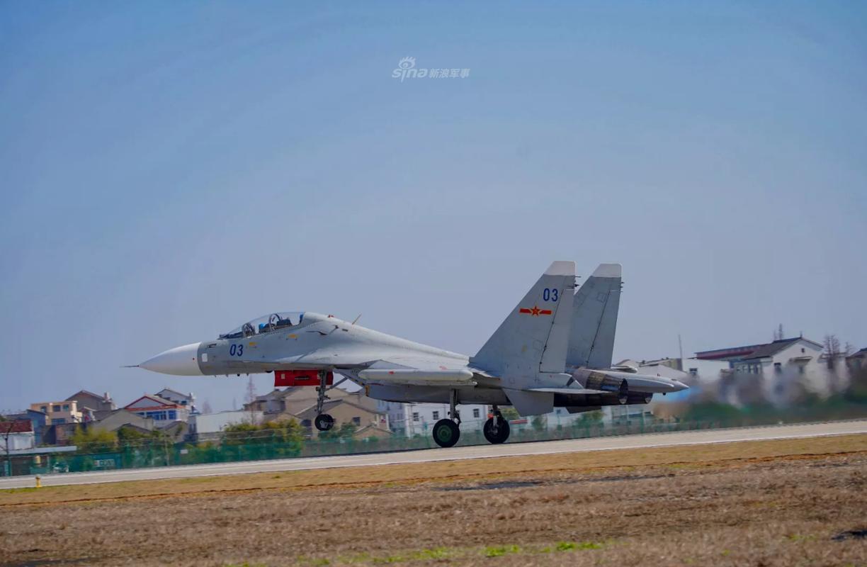 So luong tiem kich Su-30MK2 Trung Quoc so huu lieu co bang Viet Nam?-Hinh-3