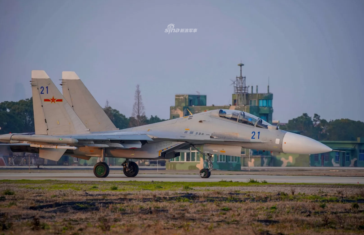 So luong tiem kich Su-30MK2 Trung Quoc so huu lieu co bang Viet Nam?-Hinh-4