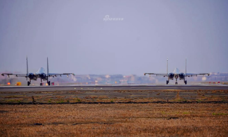 So luong tiem kich Su-30MK2 Trung Quoc so huu lieu co bang Viet Nam?-Hinh-5
