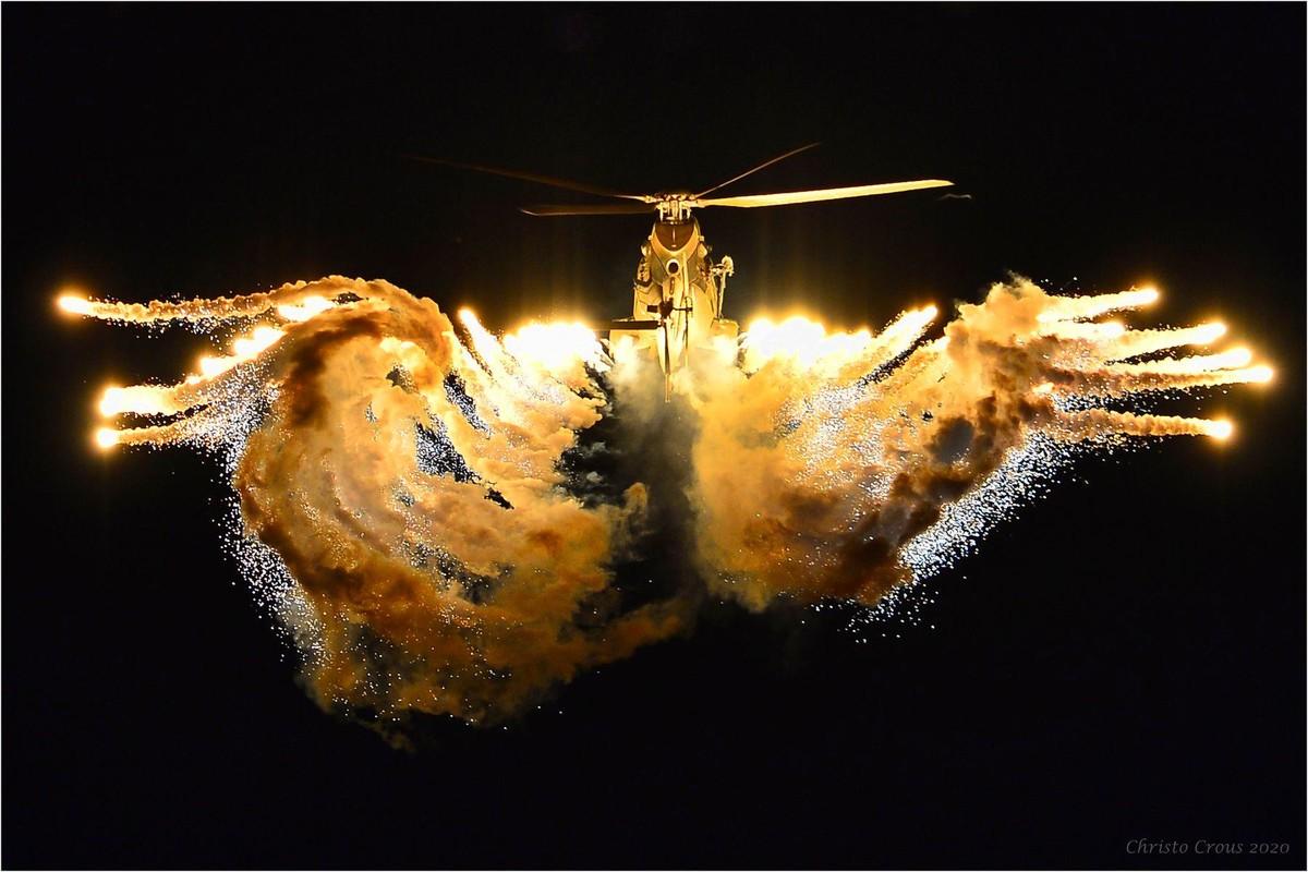 Nam Phi tung binh luc tap tran ram ro chuan bi mung ngay quan doi-Hinh-18