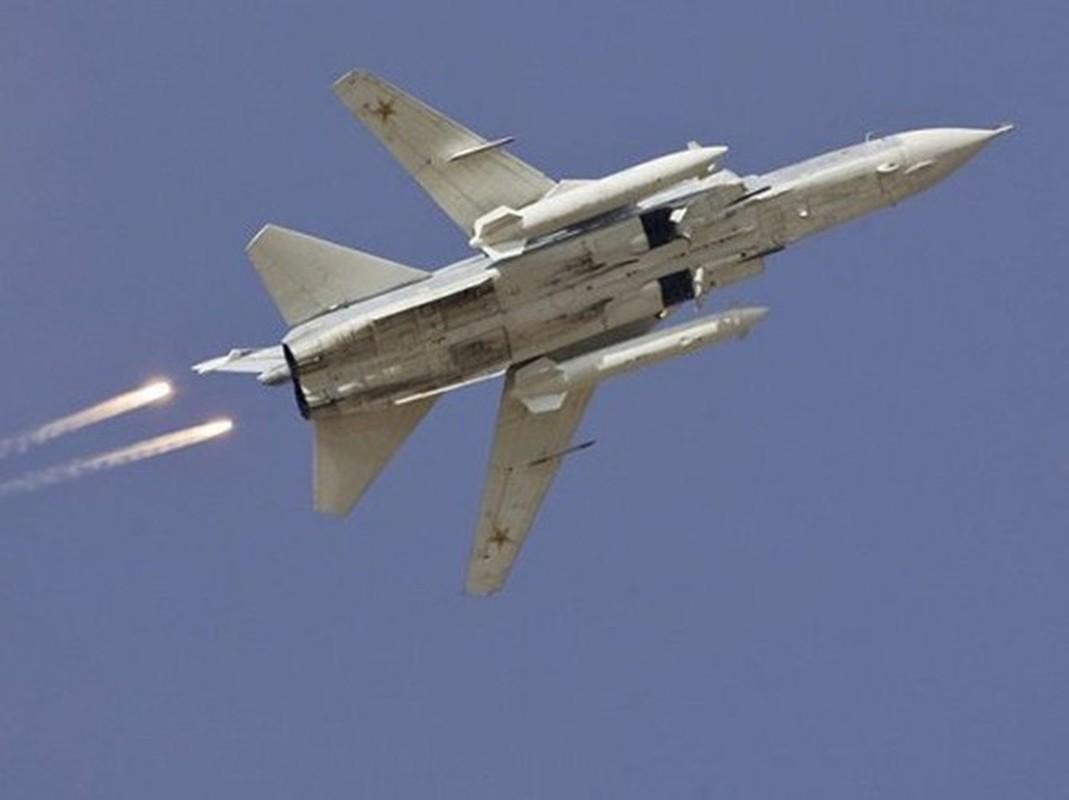 Khong quan Nga cho Su-24 nem bom thang dau phien quan, yem tro linh Assad-Hinh-20