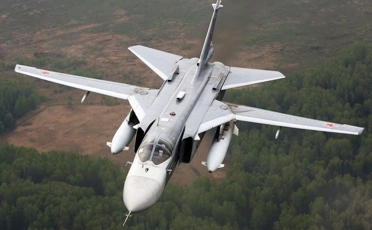 Khong quan Nga cho Su-24 nem bom thang dau phien quan, yem tro linh Assad-Hinh-21