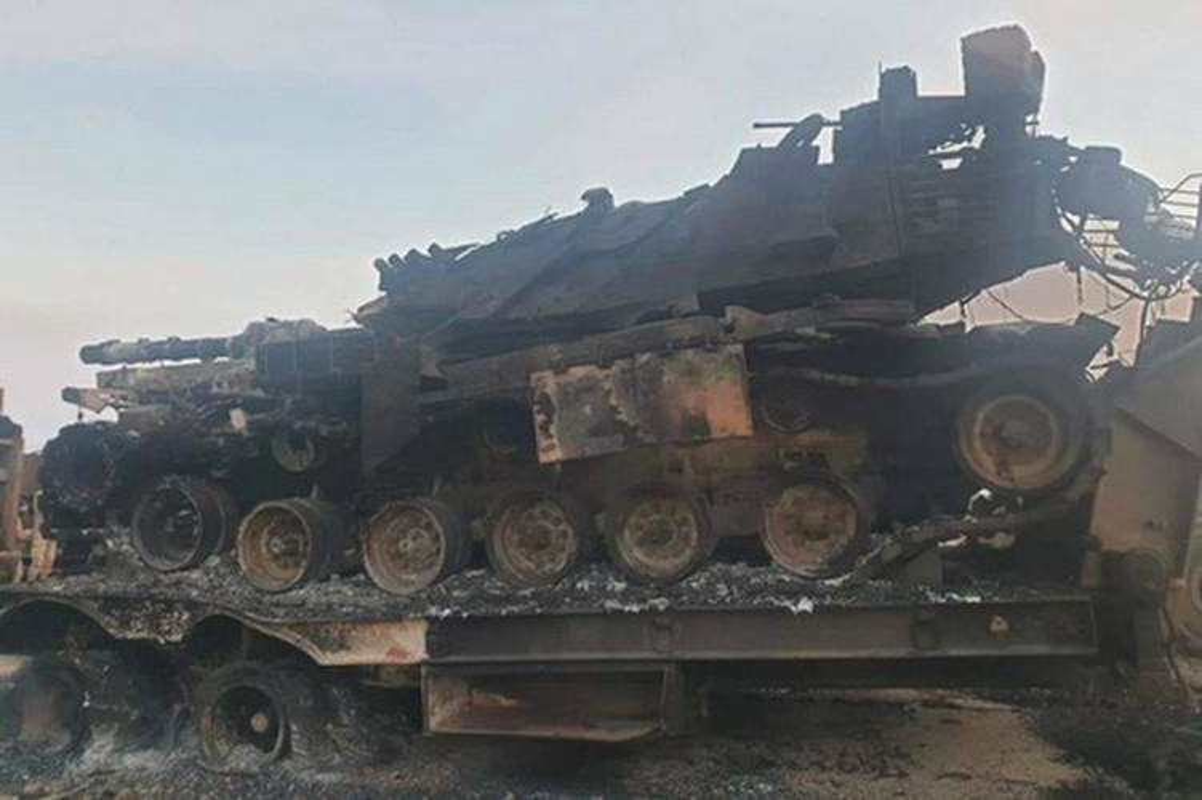 Khong quan Nga cho Su-24 nem bom thang dau phien quan, yem tro linh Assad-Hinh-3
