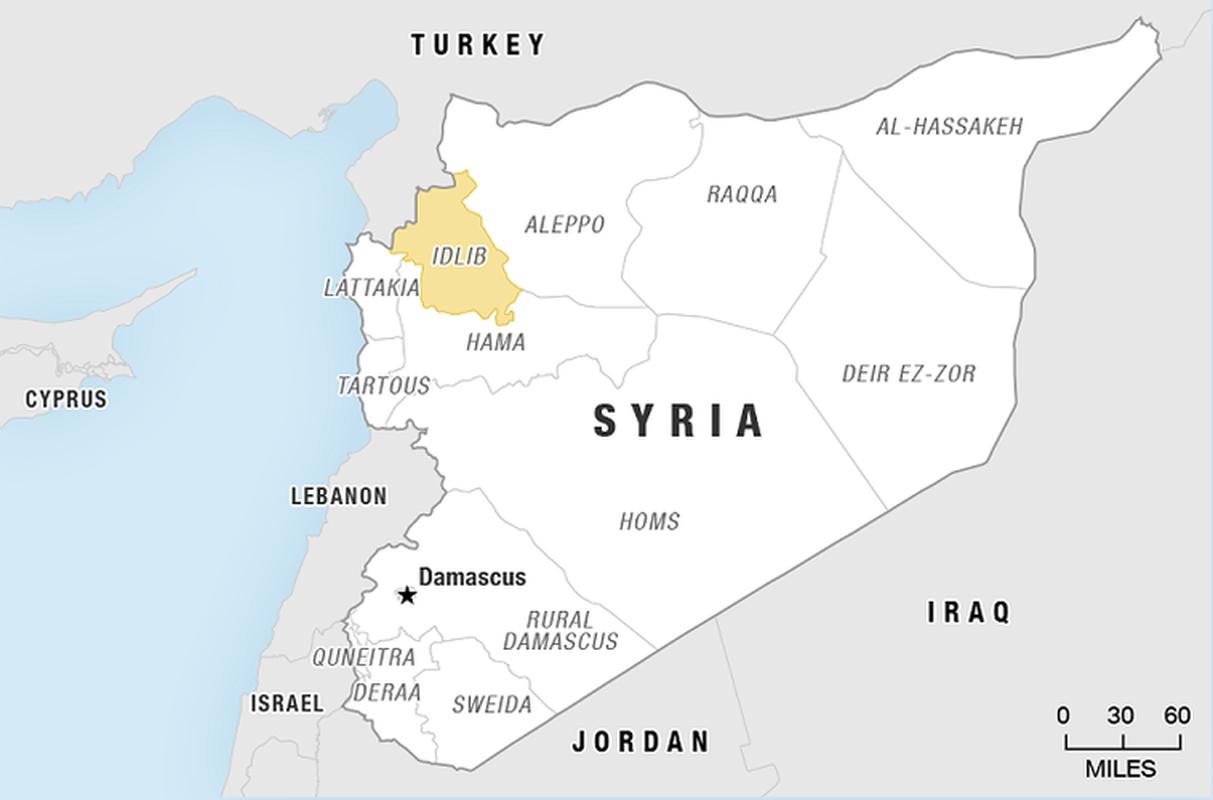Khong quan Nga cho Su-24 nem bom thang dau phien quan, yem tro linh Assad-Hinh-5