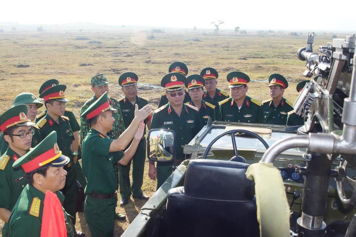 Quan doi Viet Nam gan hoa luc manh len... xe ban tai Nissan-Hinh-6