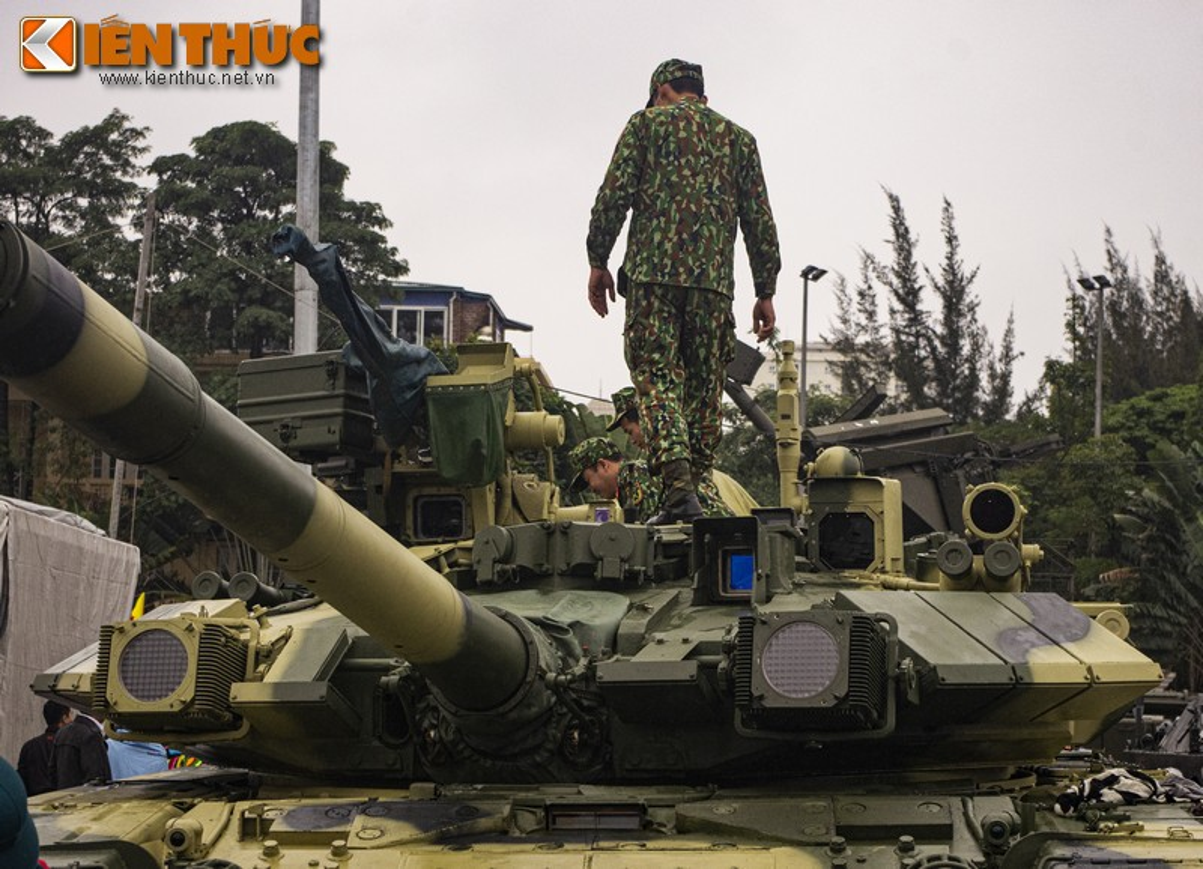 Xe tang T-90S cua Viet Nam phong duoc ten lua nao qua nong phao?-Hinh-2