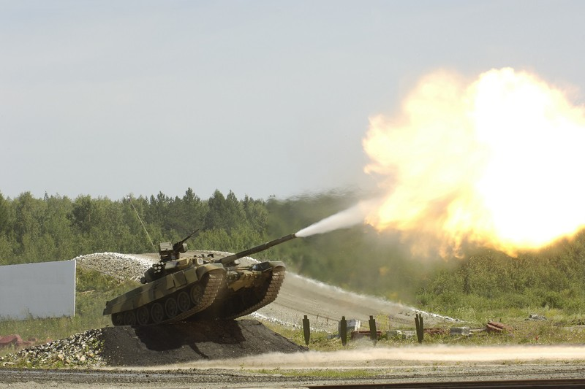 Xe tang T-90S cua Viet Nam phong duoc ten lua nao qua nong phao?-Hinh-4