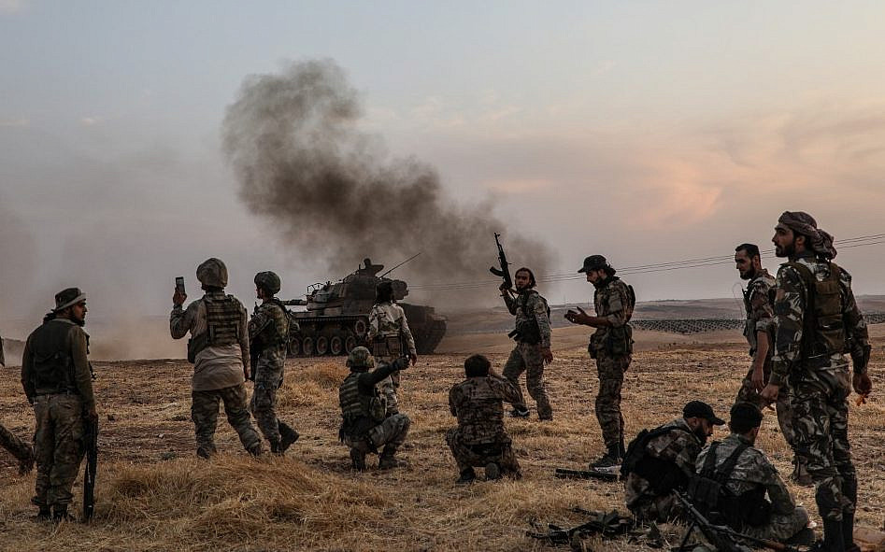 Nong: Tho Nhi Ky tuyen chien voi Syria, tau chien Nga lap tuc roi cang!-Hinh-9