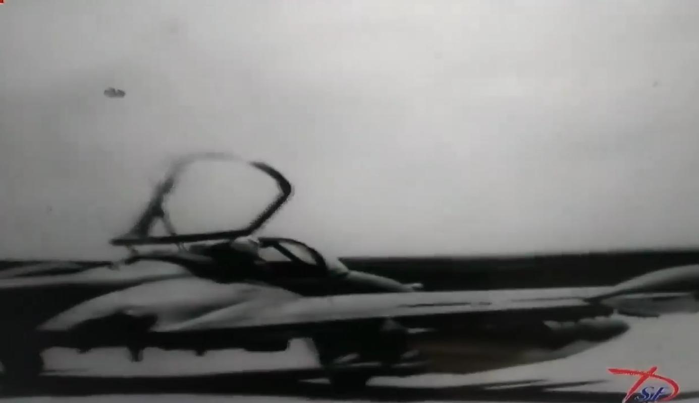 Hinh anh cuc hiem ve bien doi A-37 cua Viet Nam trong qua khu-Hinh-2