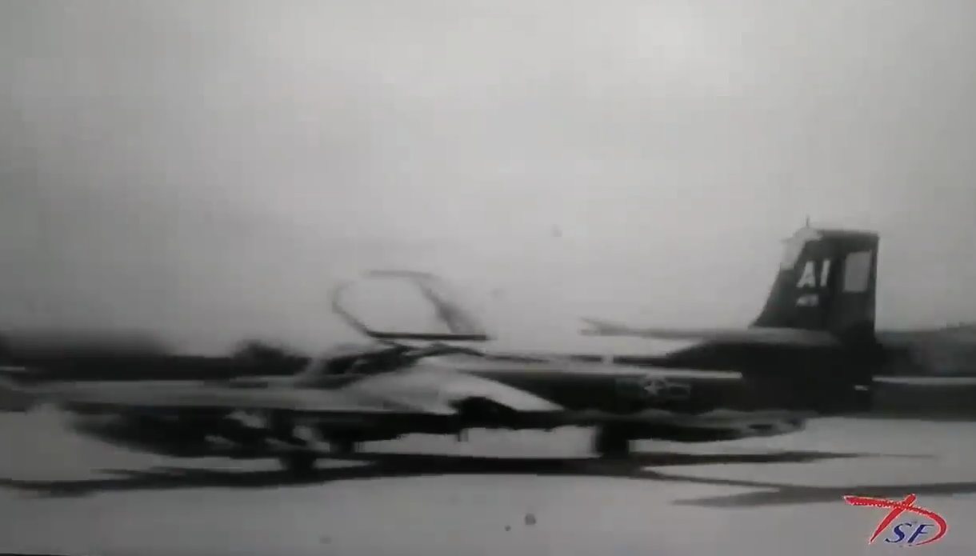 Hinh anh cuc hiem ve bien doi A-37 cua Viet Nam trong qua khu-Hinh-4