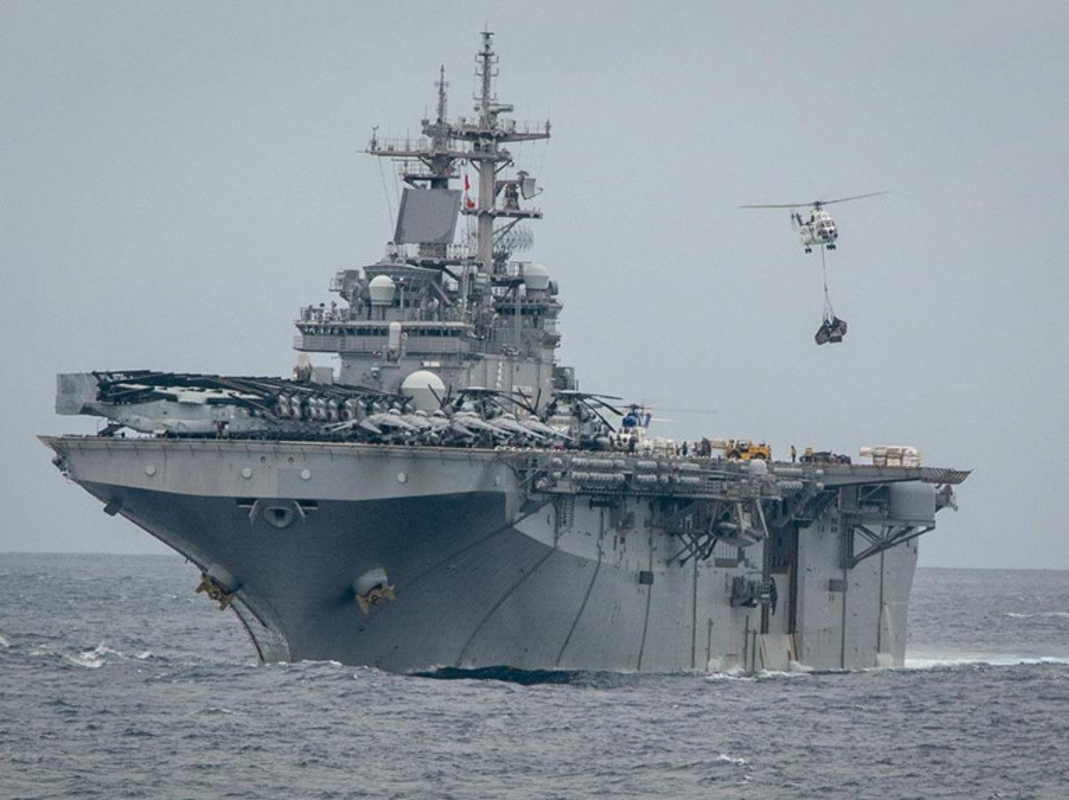 Tau do bo tan cong USS Boxer cua My co thuy thu duong tinh Covid-19-Hinh-6