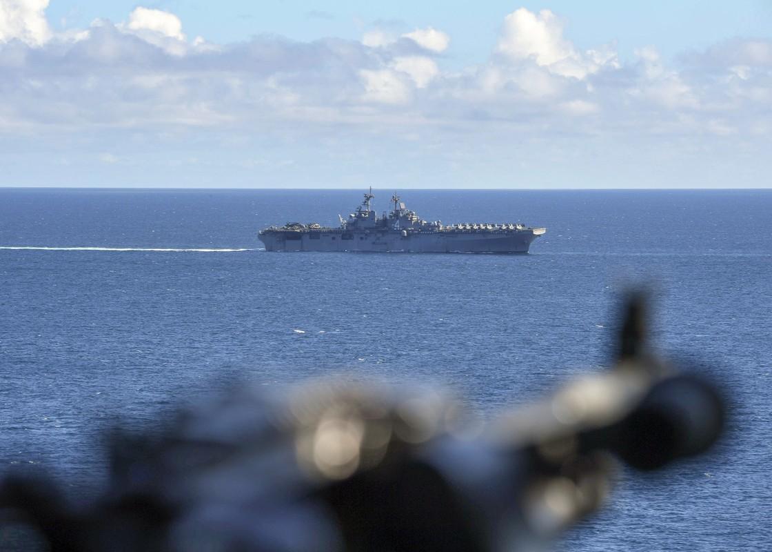 Tau do bo tan cong USS Boxer cua My co thuy thu duong tinh Covid-19-Hinh-8