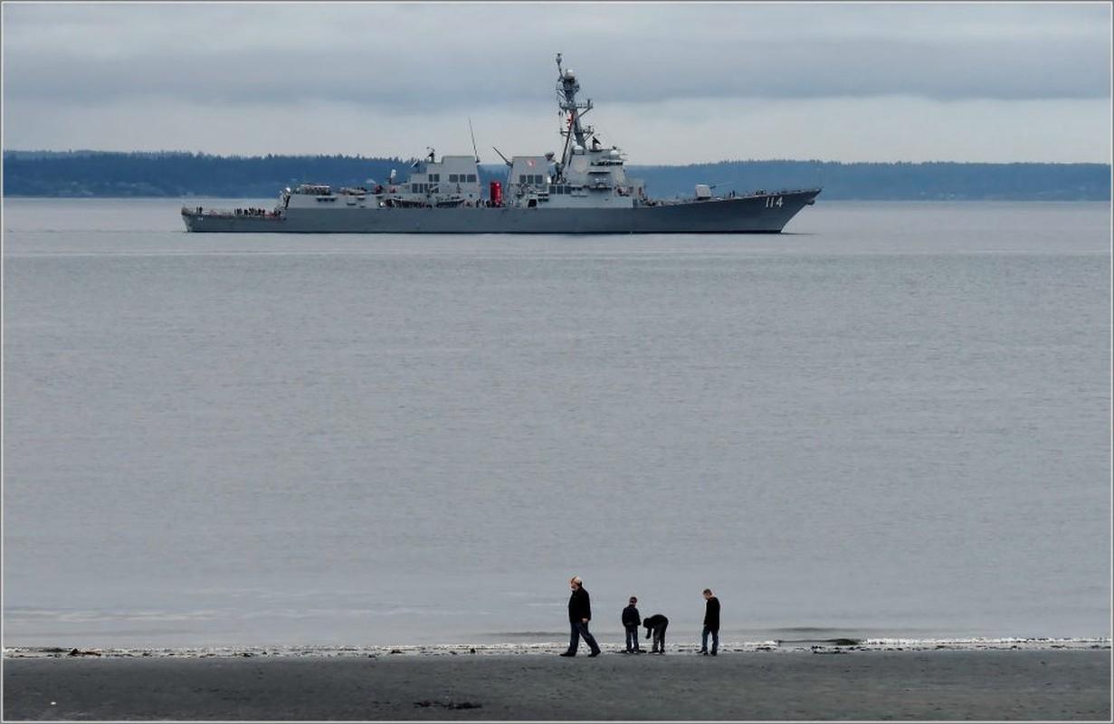 Thuy thu khu truc ham USS Ralph Johnson duong tinh Covid-19, Hai quan My gap kho-Hinh-6