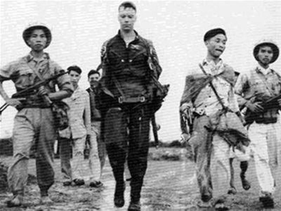Phi cong tu binh My trong chien tranh Viet Nam duoc doi xu nhan dao toi muc nao?-Hinh-6