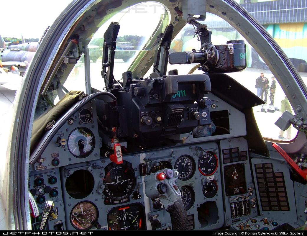 Khoang lai co dien cua Su-22 - chien dau co dong nhat cua Khong quan Viet Nam-Hinh-10