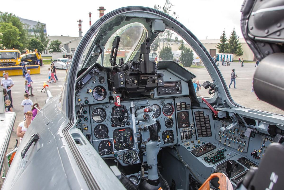 Khoang lai co dien cua Su-22 - chien dau co dong nhat cua Khong quan Viet Nam-Hinh-3