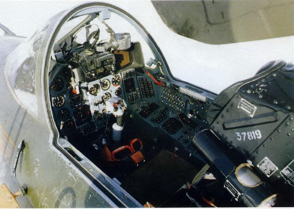 Khoang lai co dien cua Su-22 - chien dau co dong nhat cua Khong quan Viet Nam-Hinh-4