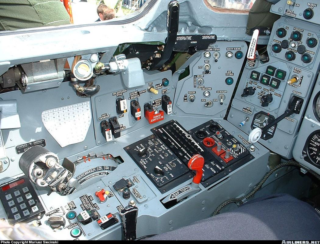 Khoang lai co dien cua Su-22 - chien dau co dong nhat cua Khong quan Viet Nam-Hinh-6