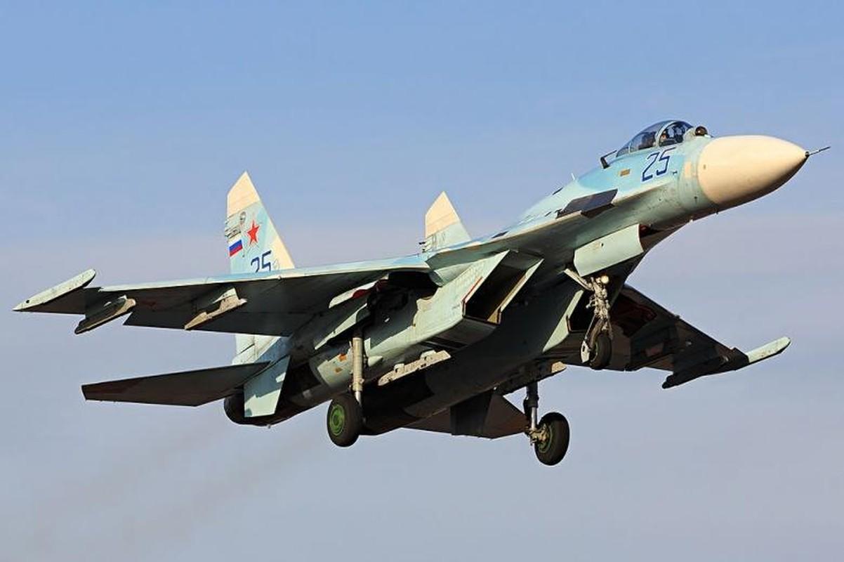 Khong quan Nga lai gap han: Su-27 roi o Bien Den, L-39
