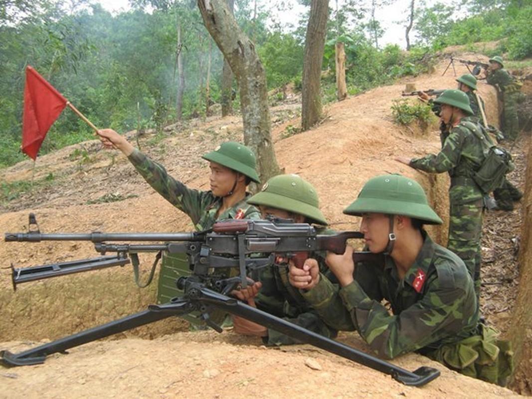 Quan doi Viet Nam uy manh huan luyen vuot song, hiep dong tac chien-Hinh-5