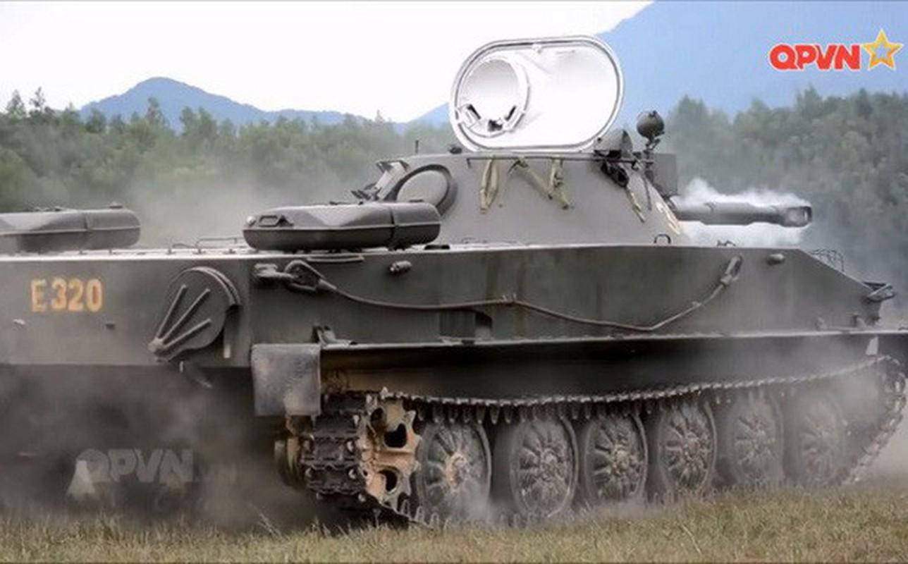 Xe tang loi nuoc PT-76 cua Viet Nam co the boi lui, nhung bang cach nao?-Hinh-3