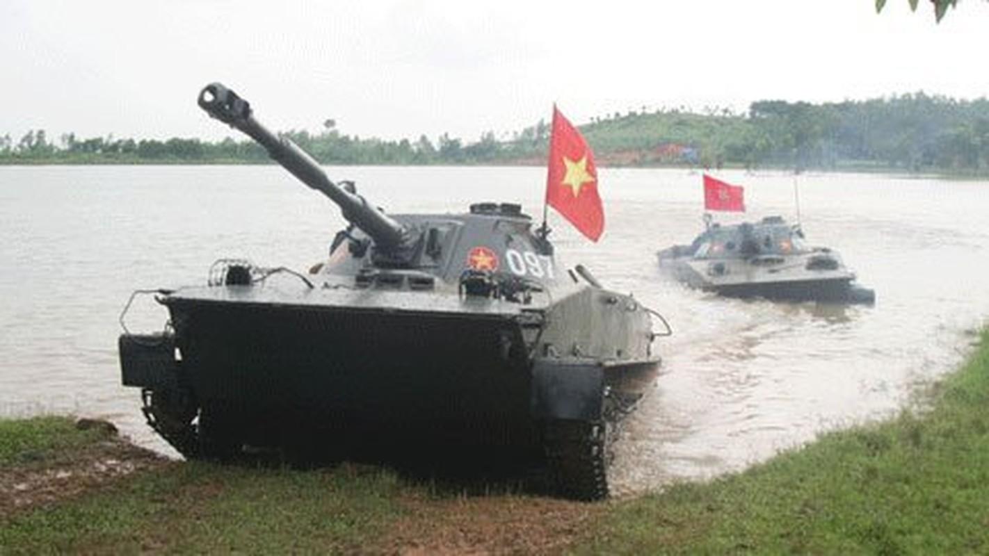 Xe tang loi nuoc PT-76 cua Viet Nam co the boi lui, nhung bang cach nao?-Hinh-4