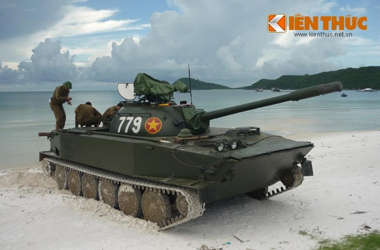 Xe tang loi nuoc PT-76 cua Viet Nam co the boi lui, nhung bang cach nao?-Hinh-5