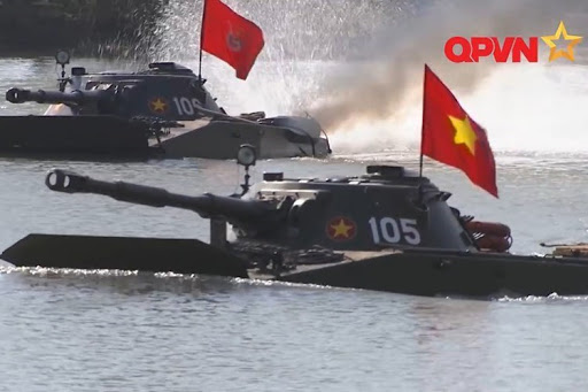 Xe tang loi nuoc PT-76 cua Viet Nam co the boi lui, nhung bang cach nao?-Hinh-8