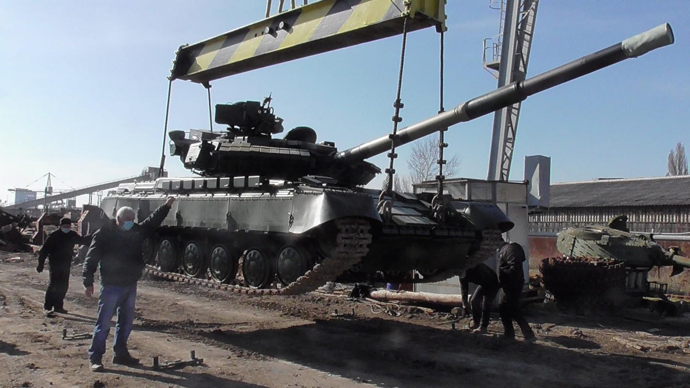 Viet Nam co co hoi tiep can voi xe tang T-64 nang cap tu Ukraine?-Hinh-7