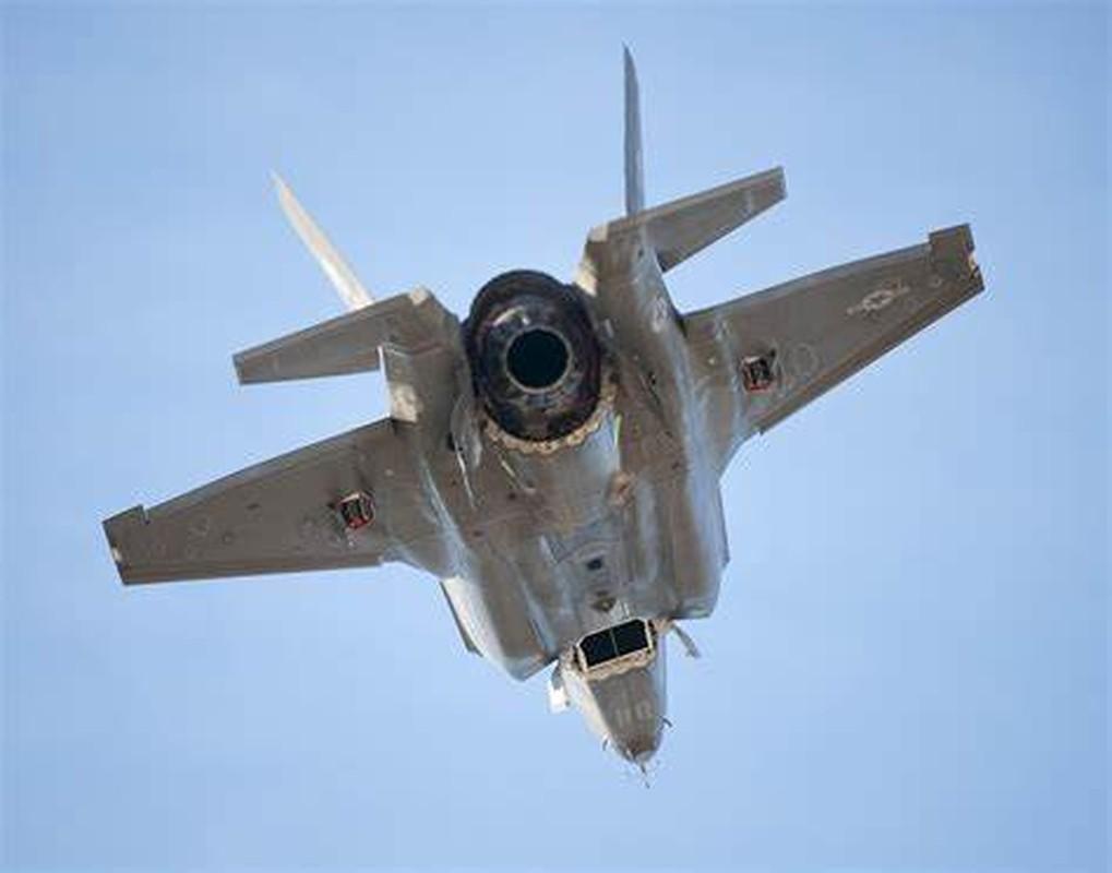 Co tinh nang ha canh thang dung, lieu F-35B co van hanh duoc tren khu truc ham?