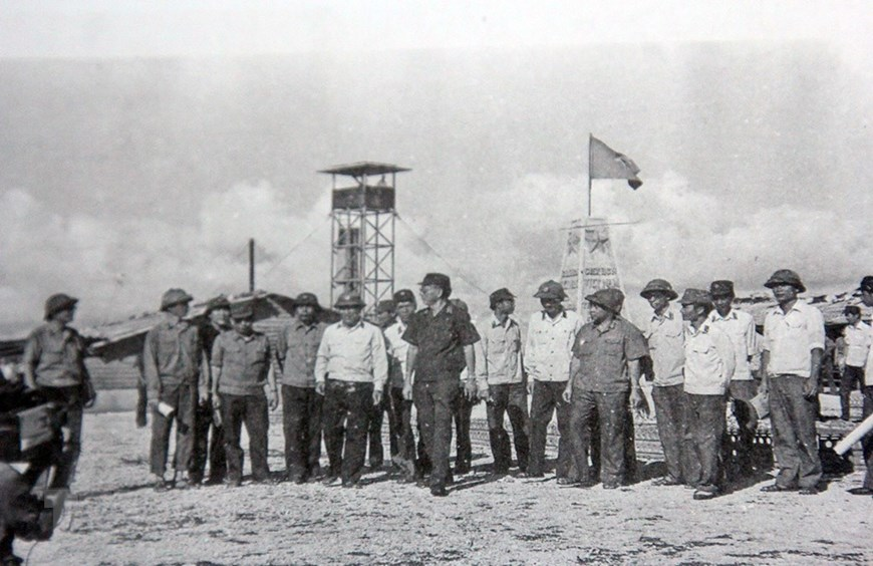 Hai quan Viet Nam giai phong hang loat hon dao trong chien dich Ho Chi Minh-Hinh-3