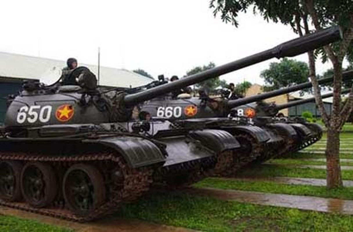 Tai sao Viet Nam khong nen nang cap xe tang T-55 len phien ban T-55M8A2 Tifon?-Hinh-10