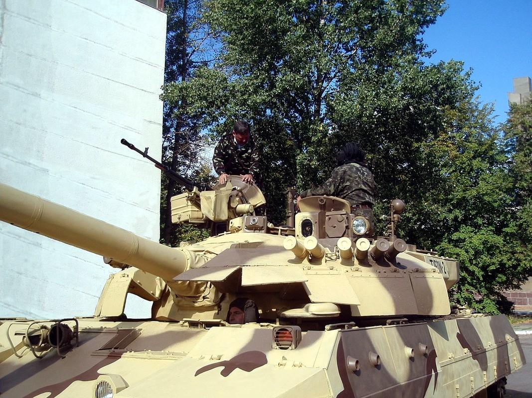 Tai sao Viet Nam khong nen nang cap xe tang T-55 len phien ban T-55M8A2 Tifon?-Hinh-4
