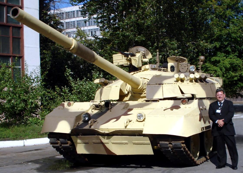 Tai sao Viet Nam khong nen nang cap xe tang T-55 len phien ban T-55M8A2 Tifon?